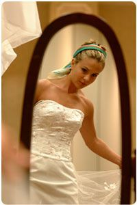 Elegant Donate your wedding dress and help support breast cancer patients