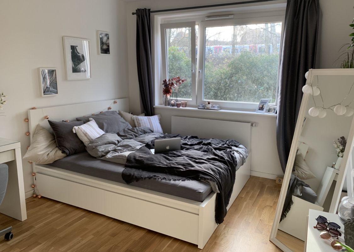 Schönes Wg Zimmer In Hamburg Mit Bequemen Bett Und Toller
