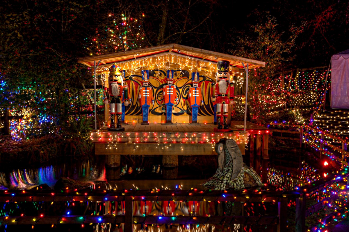 Vancouver Christmas Events Bright Nights Stanley Park Train Ride Christmas Lights Best Christmas Lights Christmas Train