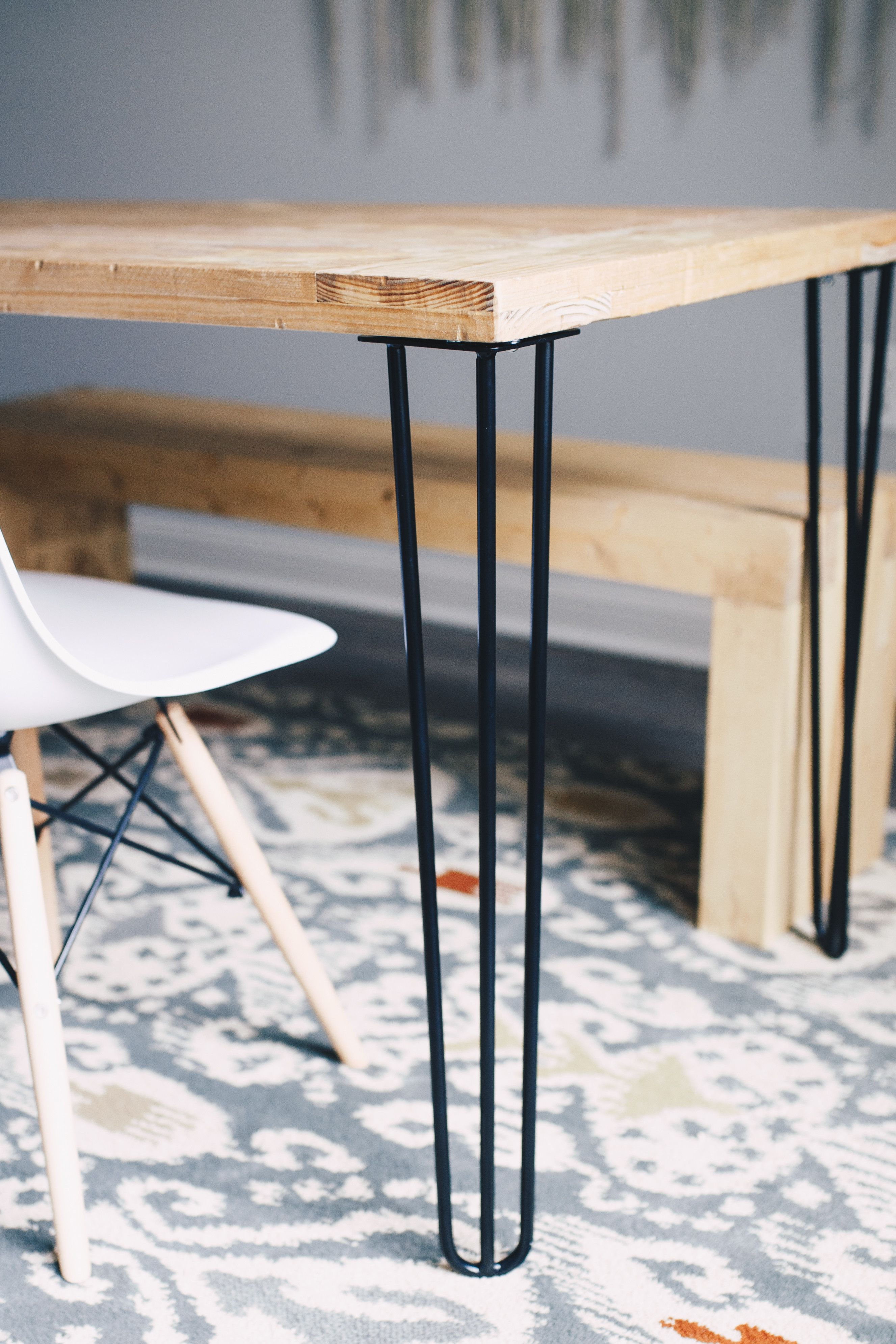 The Hairpin Leg Complements Industrial Modern And Mid Century Styles Alike Four Pre Drilled Holes In The Metal Table Legs Steel Table Legs Coffee Table Legs