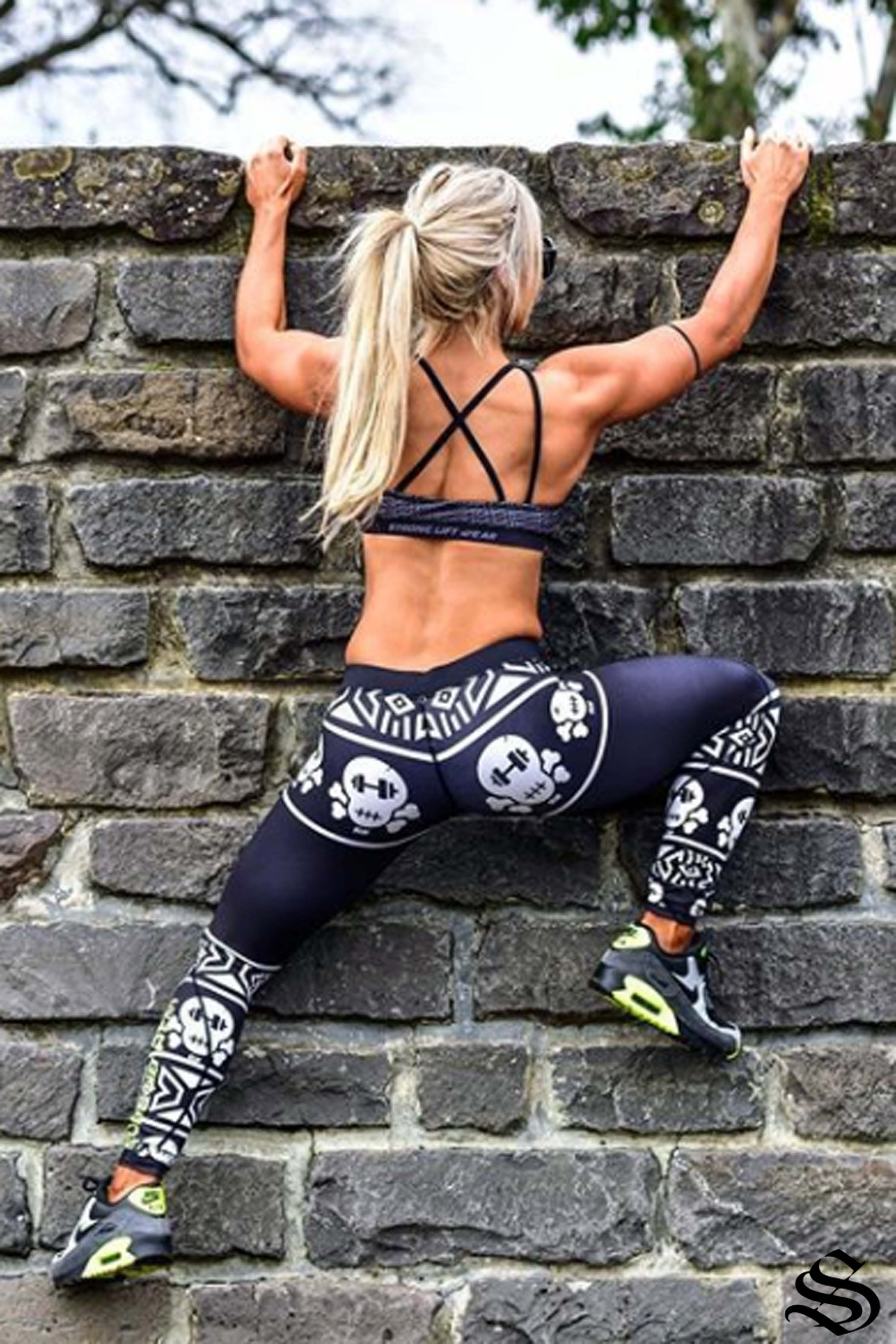 14352a002ddf61 You are only confined by the walls you build yourself 💯👊 @stephfitmum  featured in