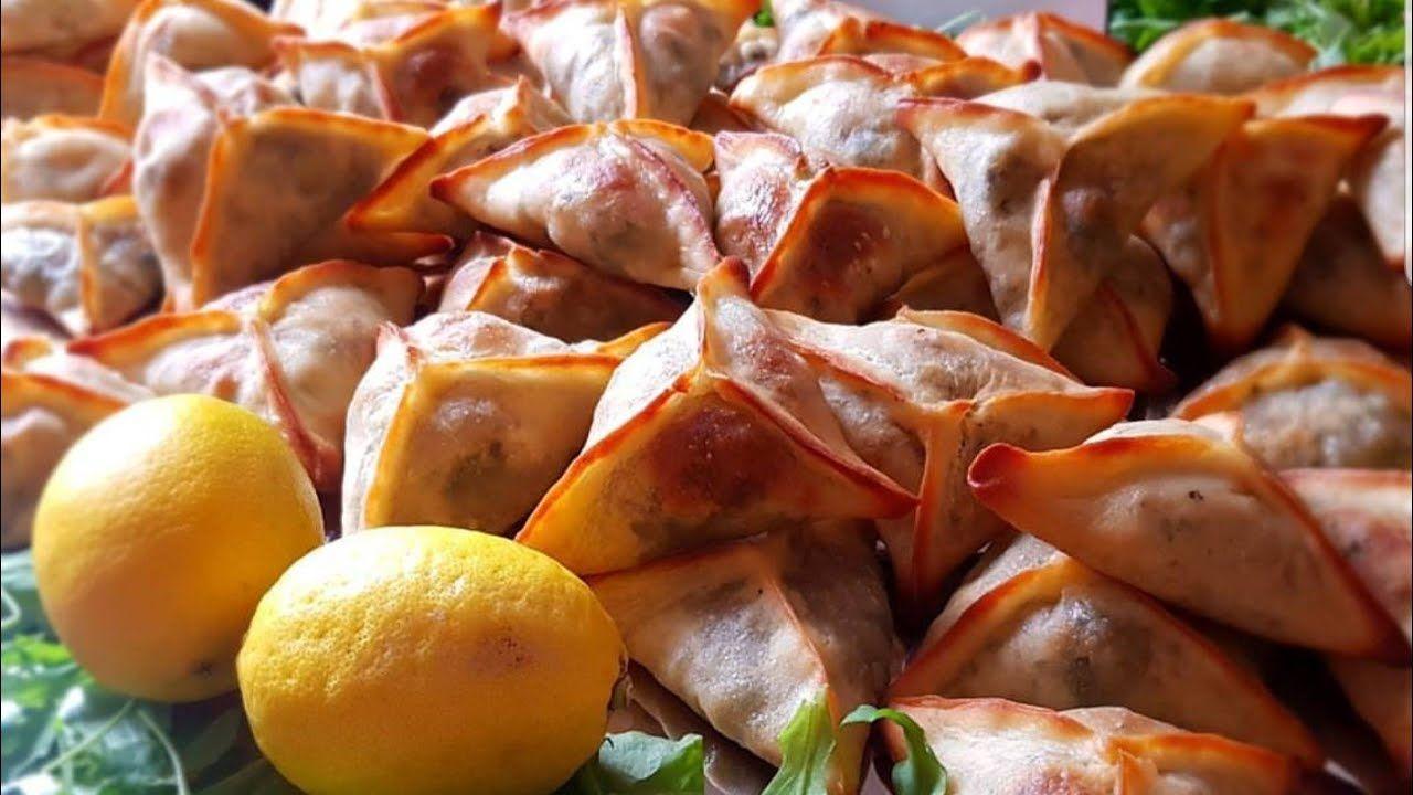 فطائر بالسبانخ اللبنانية على اصولها وطريقة تشكيلها بحيث لا يفتح العجين بعد الخبز و عدة نصائح مهمة Youtube In 2021 Recipes Vegetables Food