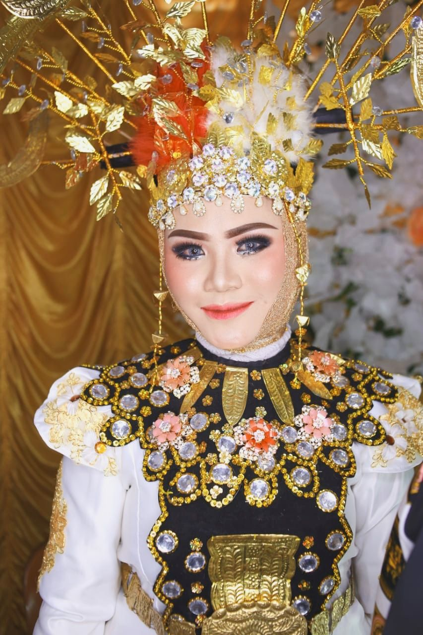Pakaian Adat Provinsi Gorontalo