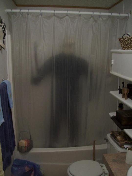 killer behind the curtain halloween bathroom decor ideas 2014 2014 halloween