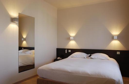 Apliques modernos buscar con google iluminacion - Apliques pared dormitorio ...