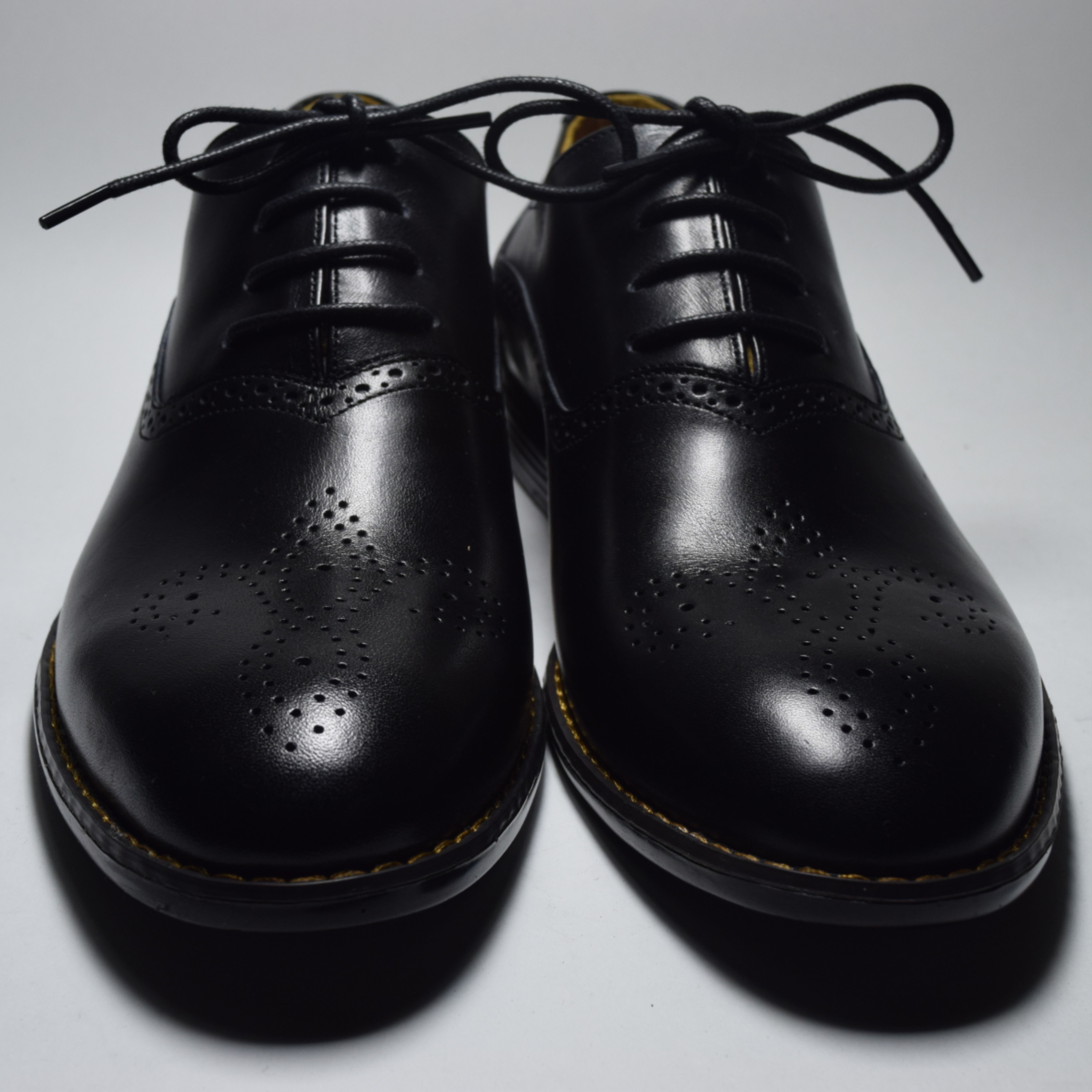 Classic Oxford Handmade Leather Shoes Black Leather Shoe For Men Made To Order Tie Dress Shoes In 2020 Handmade Leather Shoes Leather Shoes Men Black Leather Shoes [ 6000 x 6000 Pixel ]