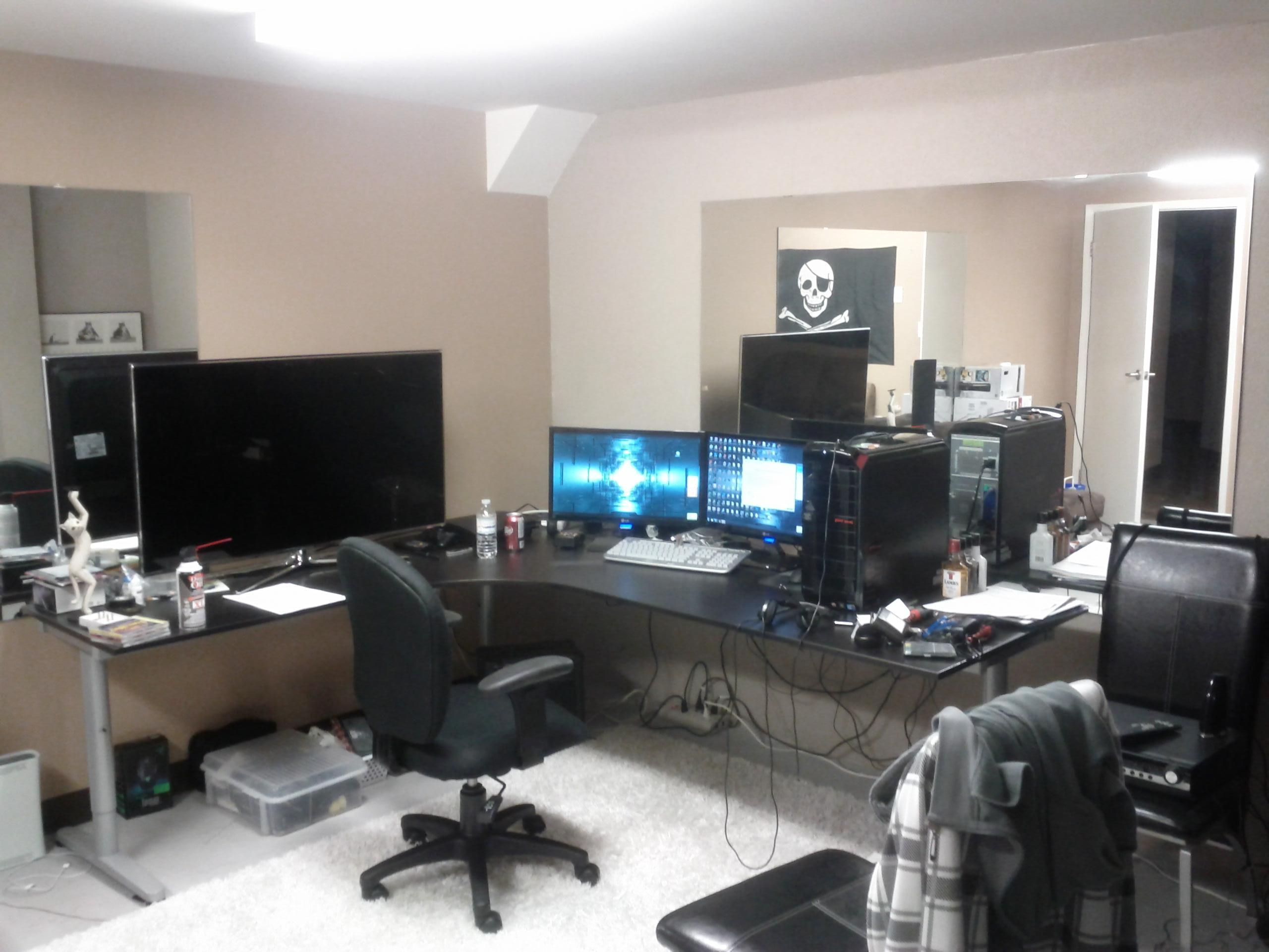 Cool computer setups and gaming setups computer setups for Cool office setups