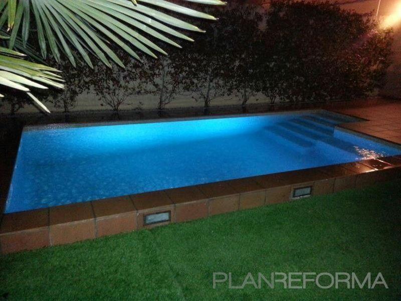 Ideas de paisajismo jardin piscina estilo mediterraneo for Paisajismo para piscinas