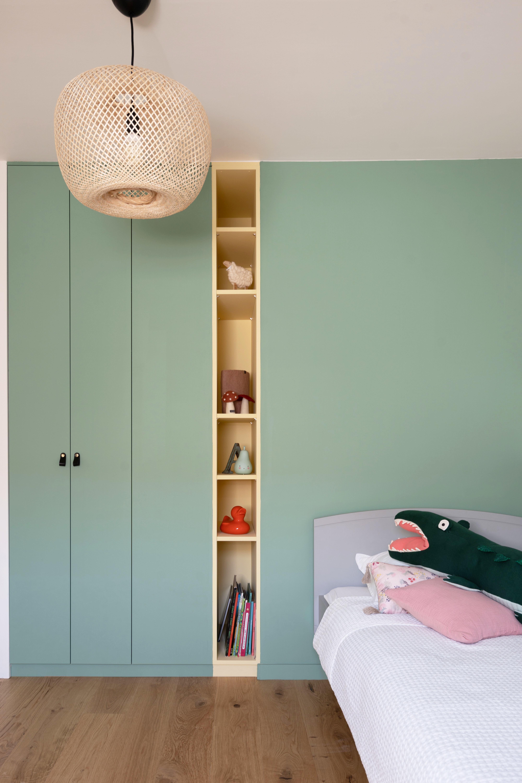 Renovation Chambre Enfant Meuble Sur Mesure Aeline Pithois Guillou En 2020 Placard Chambre Enfant Chambre Enfant Placard Chambre A Coucher