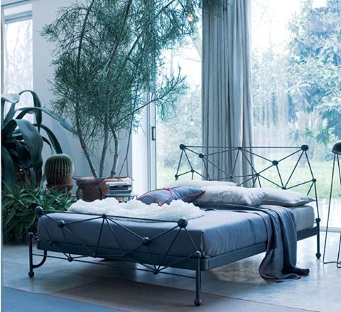 modern wrought iron bed interior spaces wrought iron beds iron rh pinterest com