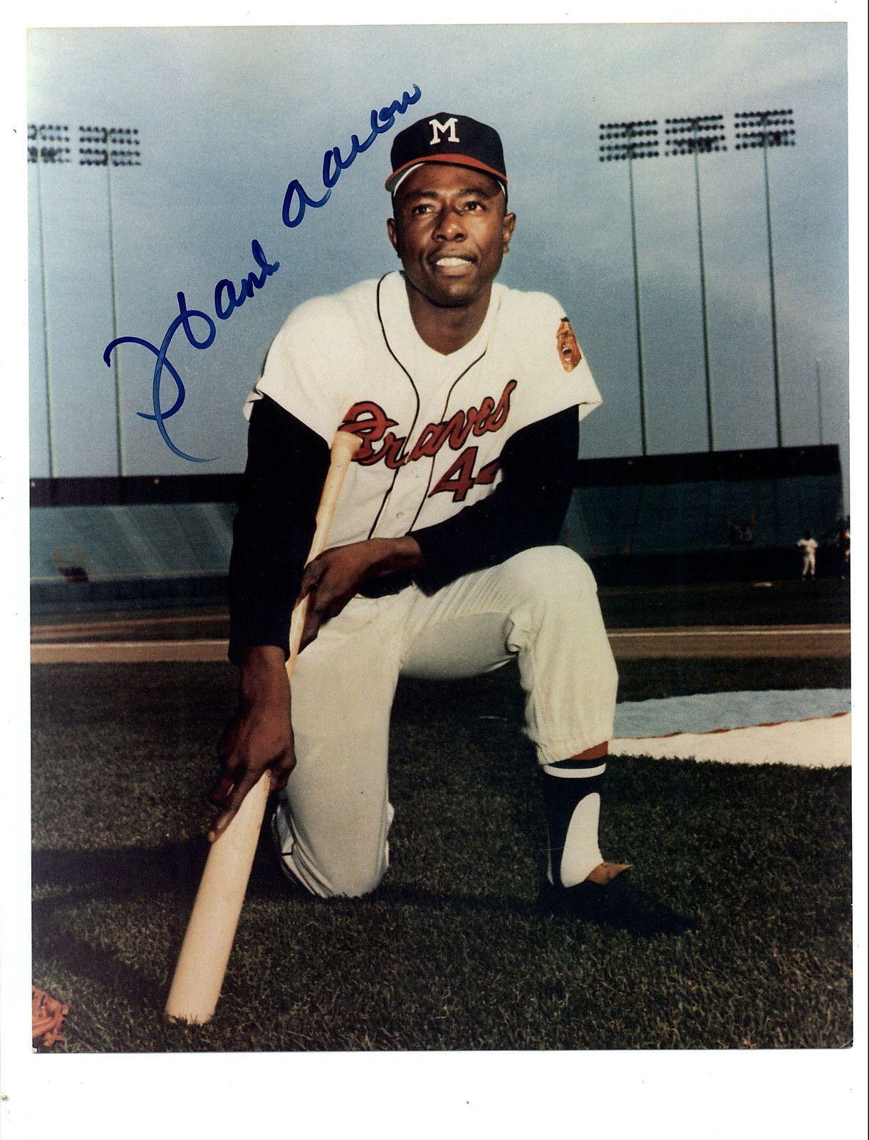 Hank Aaron Kneeling Hank Aaron Detroit Sports Braves