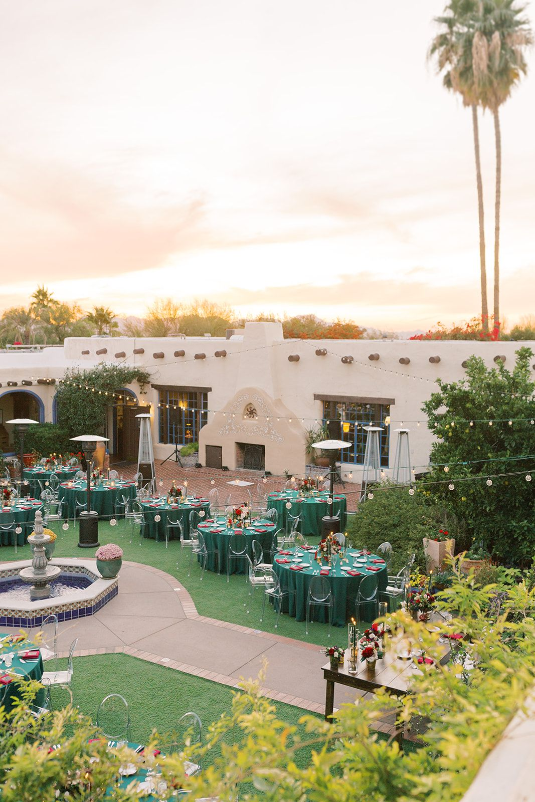 A Stunning Winter Wedding At Hacienda Del Sol Tucson Wedding Venues Celebrity Weddings Elegant Wedding Venues