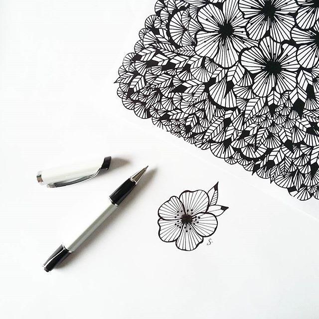 Un pti floral doodle on a freezing Friday. #flowers #fleurs #floralmood #doodle #mydrawings #instaart #blackandwhite #noiretblanc #graphicdesign #graphic #patterns #ink #feutre #dublancdunoirdesfleurs