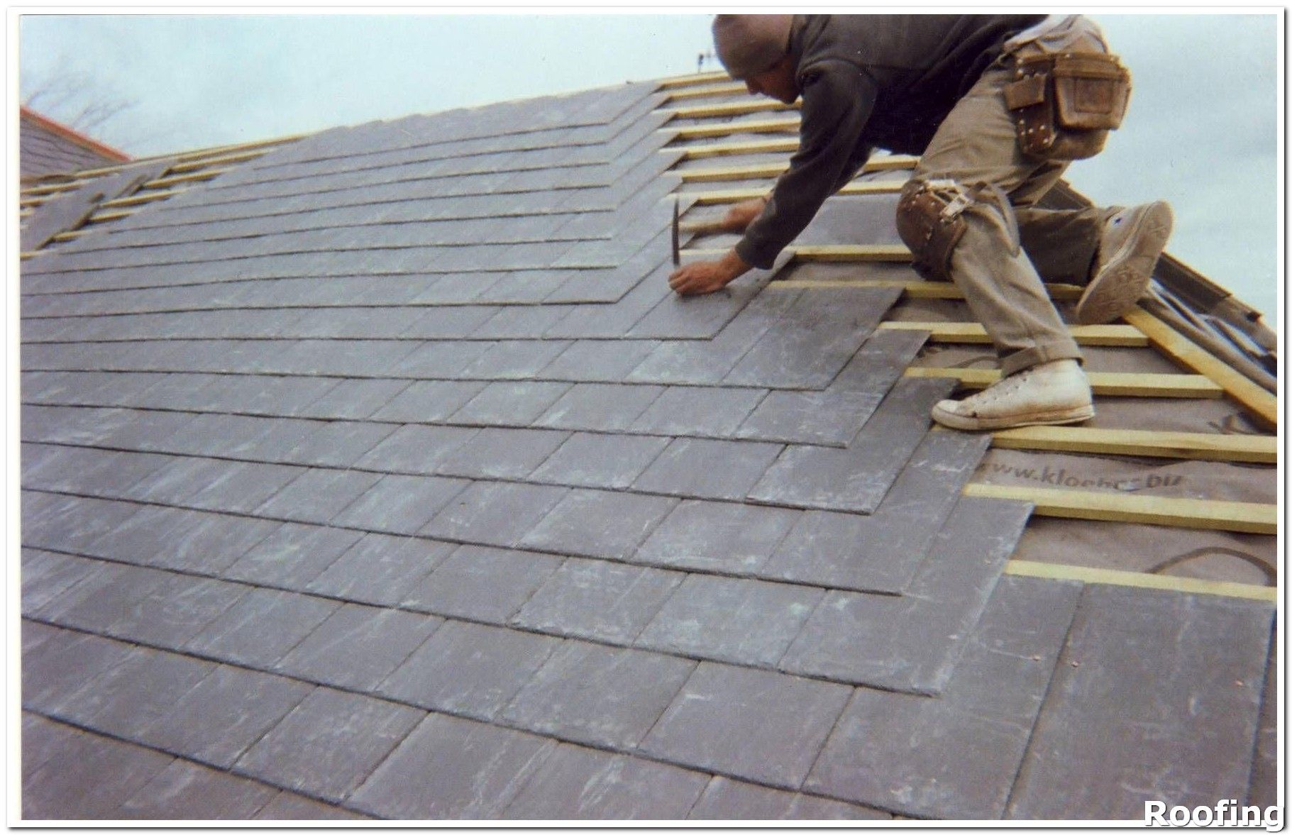 Roofing Tips Roofing Tips That Everyone Needs To Know About Learn More By Visiting The Image Link Roof Repair Roof Repair Diy