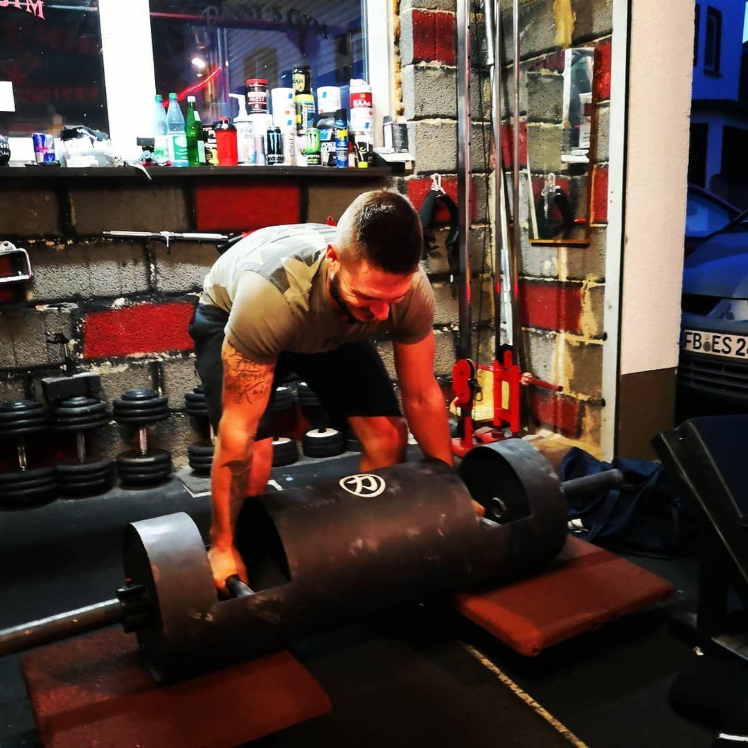#dannysgym #gym #oldschoolgym #motivation #fitnessmotivation #fitfam #fitfamgermany #fitness #fit #instafit #workout #workoutmotivation #loglift #strongman #strongmantraining #godsrage #gymjunky #nopainnogain #krafttraining #training #tattoo #tattoos #instatattoo #inked #instainked #inkedboy #instaink