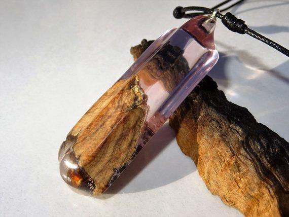 madera y resina, resina y madera, violaceo, hecho a mano, artesano, ecologico, resin jewelry, liquen, olivo, reciclado, handcrafted