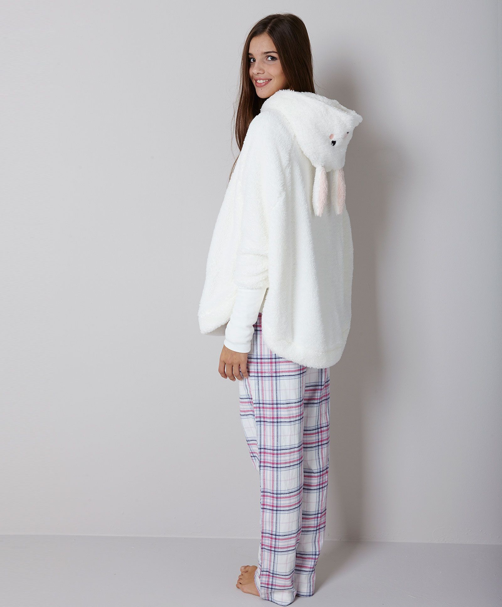 Rabbit poncho - null Spring Summer 2017 trends in women fashion at Oysho  online. Find