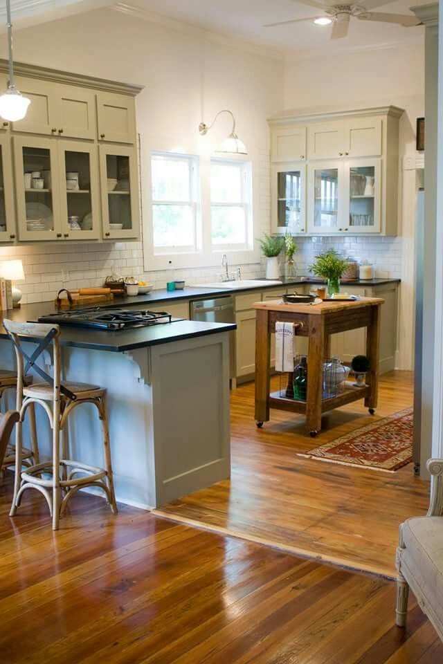 Small Carts Great Space Savers In A Small Kitchen Hgtv