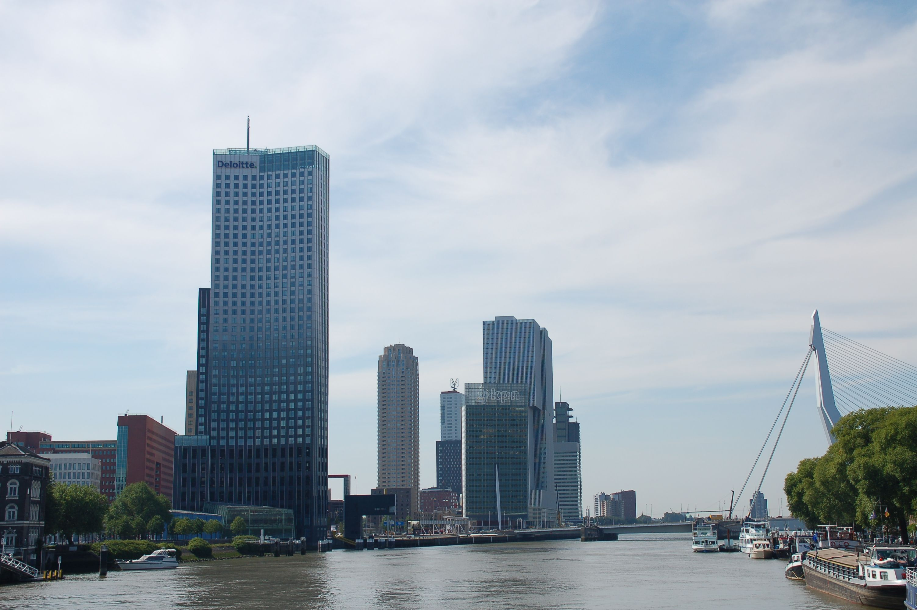 #Rotterdam #Maastoren #Skyline