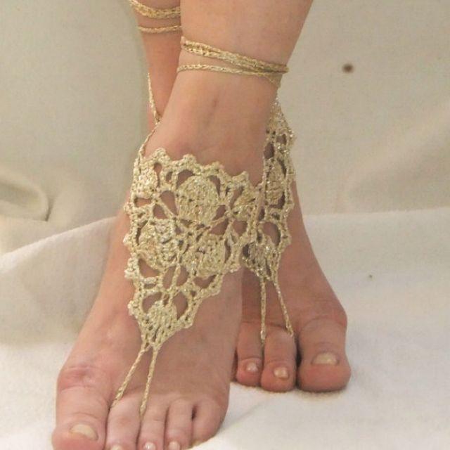 Nude Glamorous Barefoot Naked Women Pics