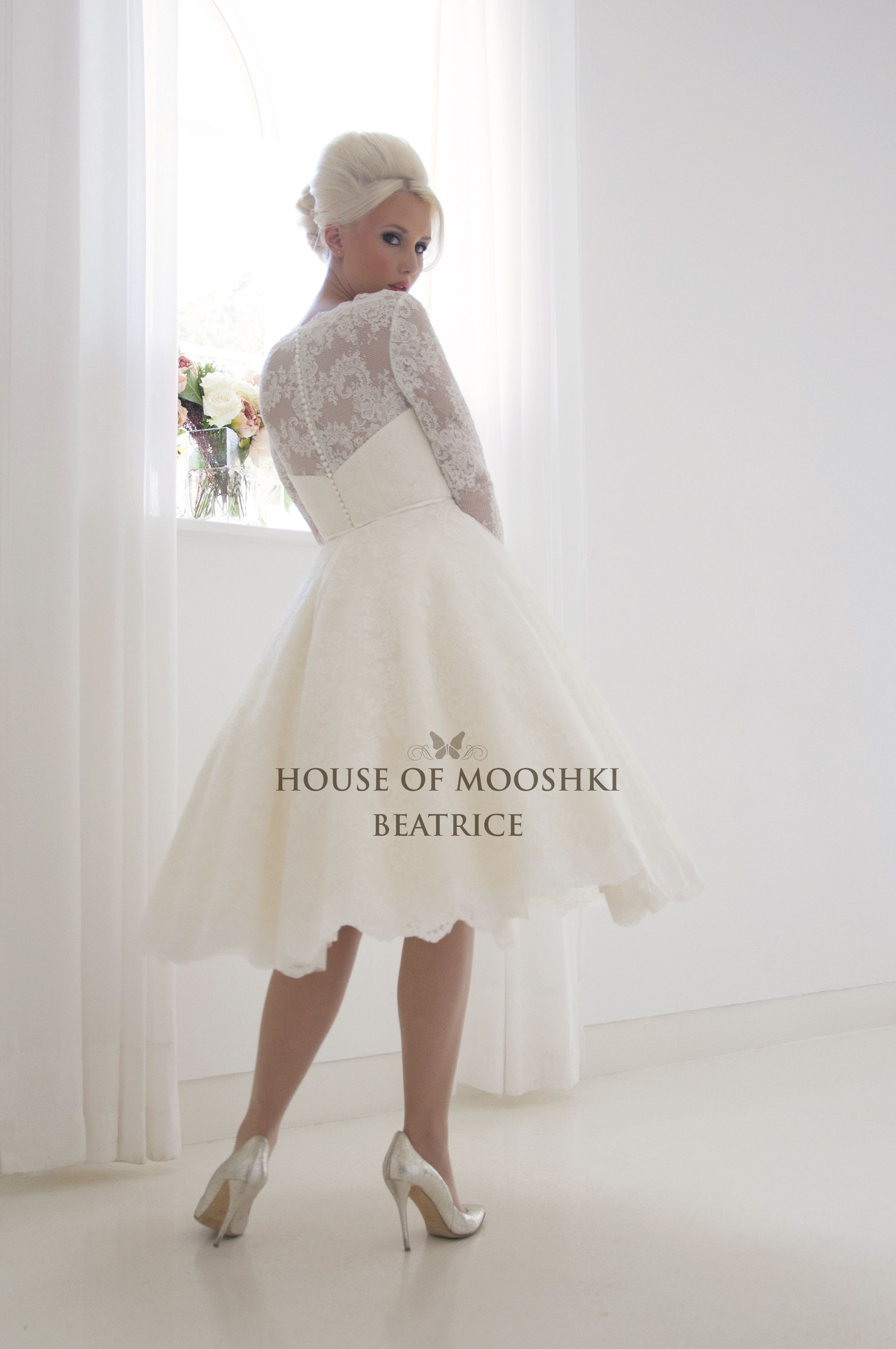 Beatrice Short Vintage 1960 S Full French Lace Tea Length Wedding Dress A Shorter Knee Length Wedding Dress Short Bridal Gown Long Sleeve Wedding Dress Lace [ 3044 x 2022 Pixel ]