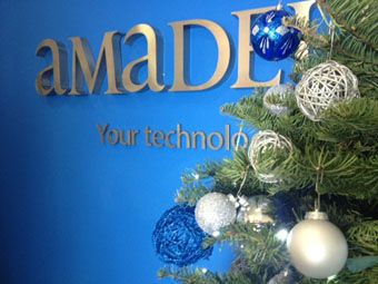 Amadeus mexico gets festive in corporate colours for Amadeus decoration