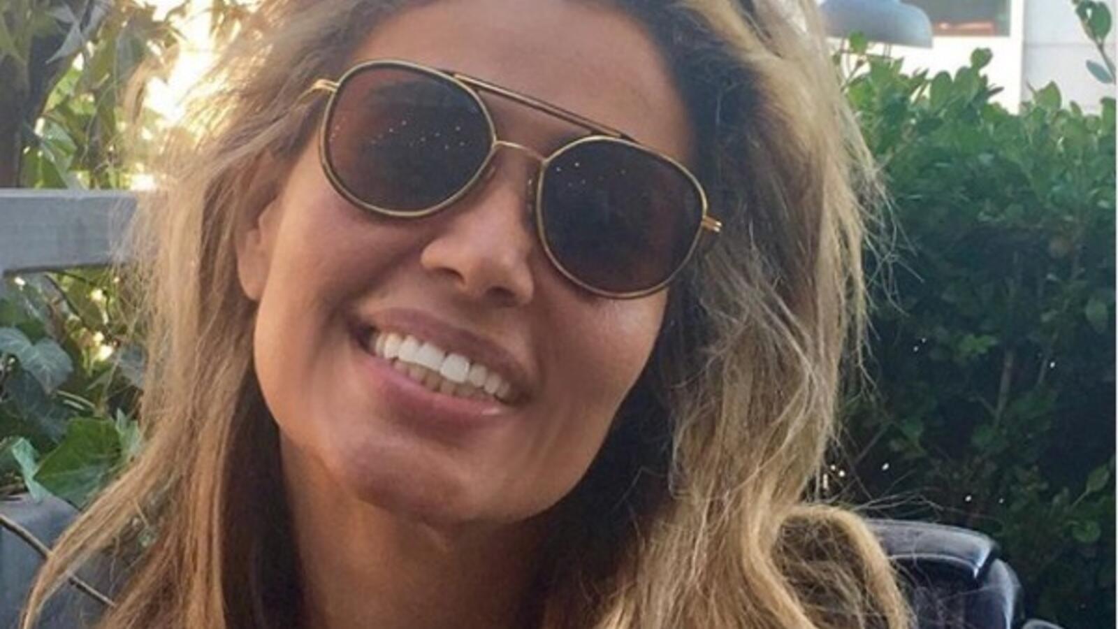 زينة عاشور زوجة عمرو دياب ت عايد توأمها وسط تجاهل الأخير Sunglasses Women Sunglasses Women