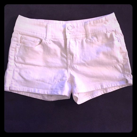 White jean shorts White Jean shorts, worn but in great condition Shorts Jean Shorts