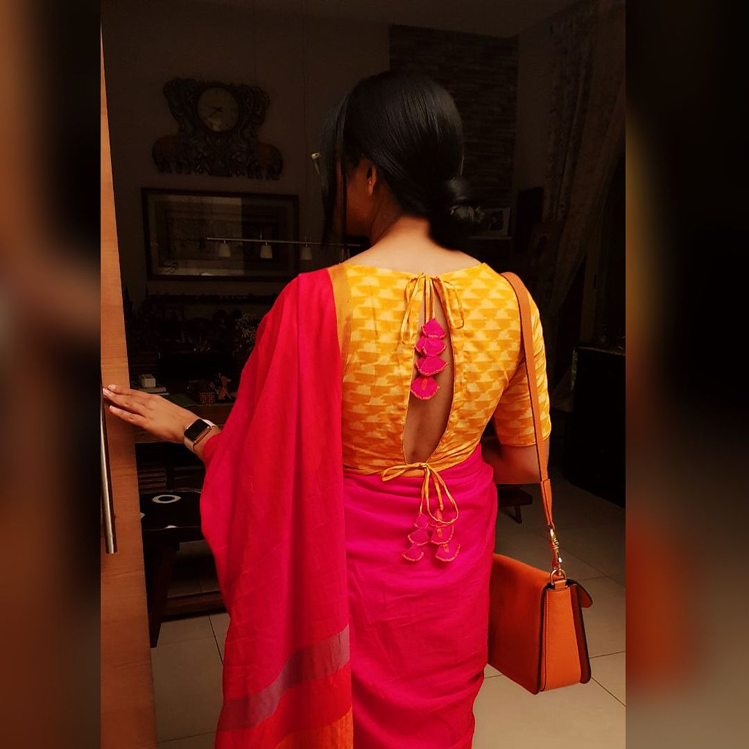 "7171649538a681 564 Likes, 35 Comments - Gayathri (@g3vinod) on Instagram: ""Handwoven saree  in red ... Ikkat blouse.... Tie backs.. Handcrafted shoes ."
