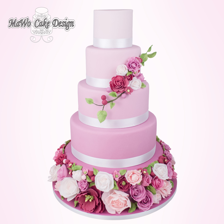 Hochzeitstorte Blumenmeer Bei Mawo Cake Design In 24392
