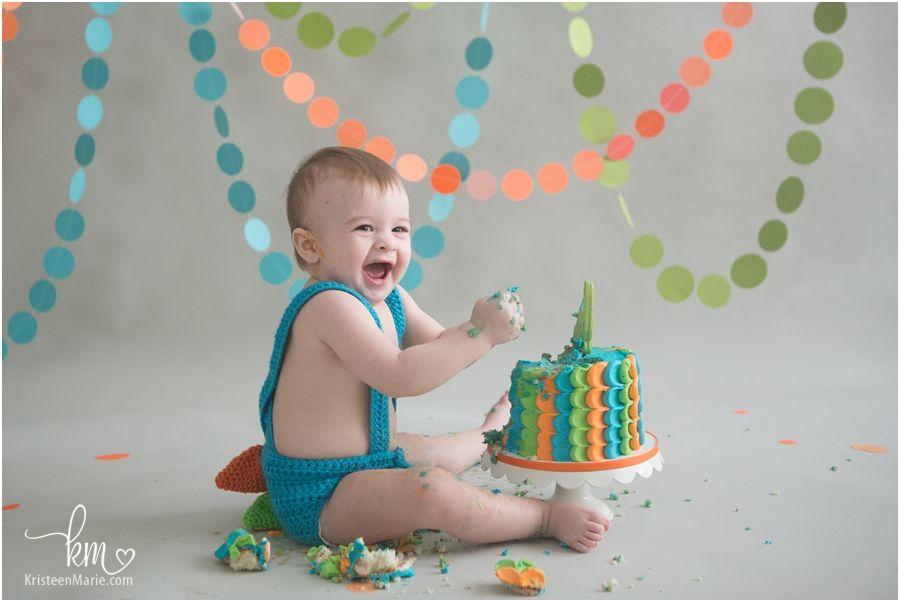 Smash Cake Dino In 2020 1st Birthday Cake Smash Birthday Cake Smash Dinosaur First Birthday