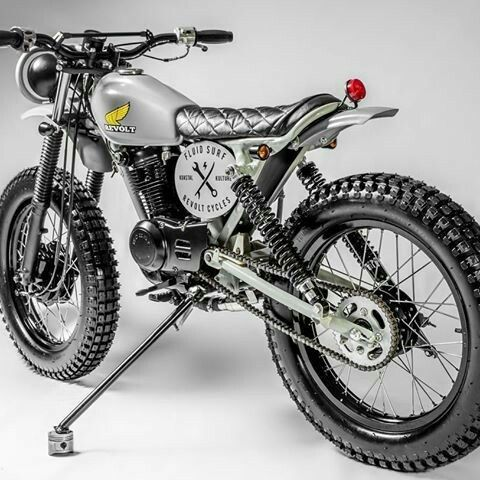Sweet For The Xr75 Build Up Tracker Motorcycle Yamaha Cafe Racer Enduro Motorcycle