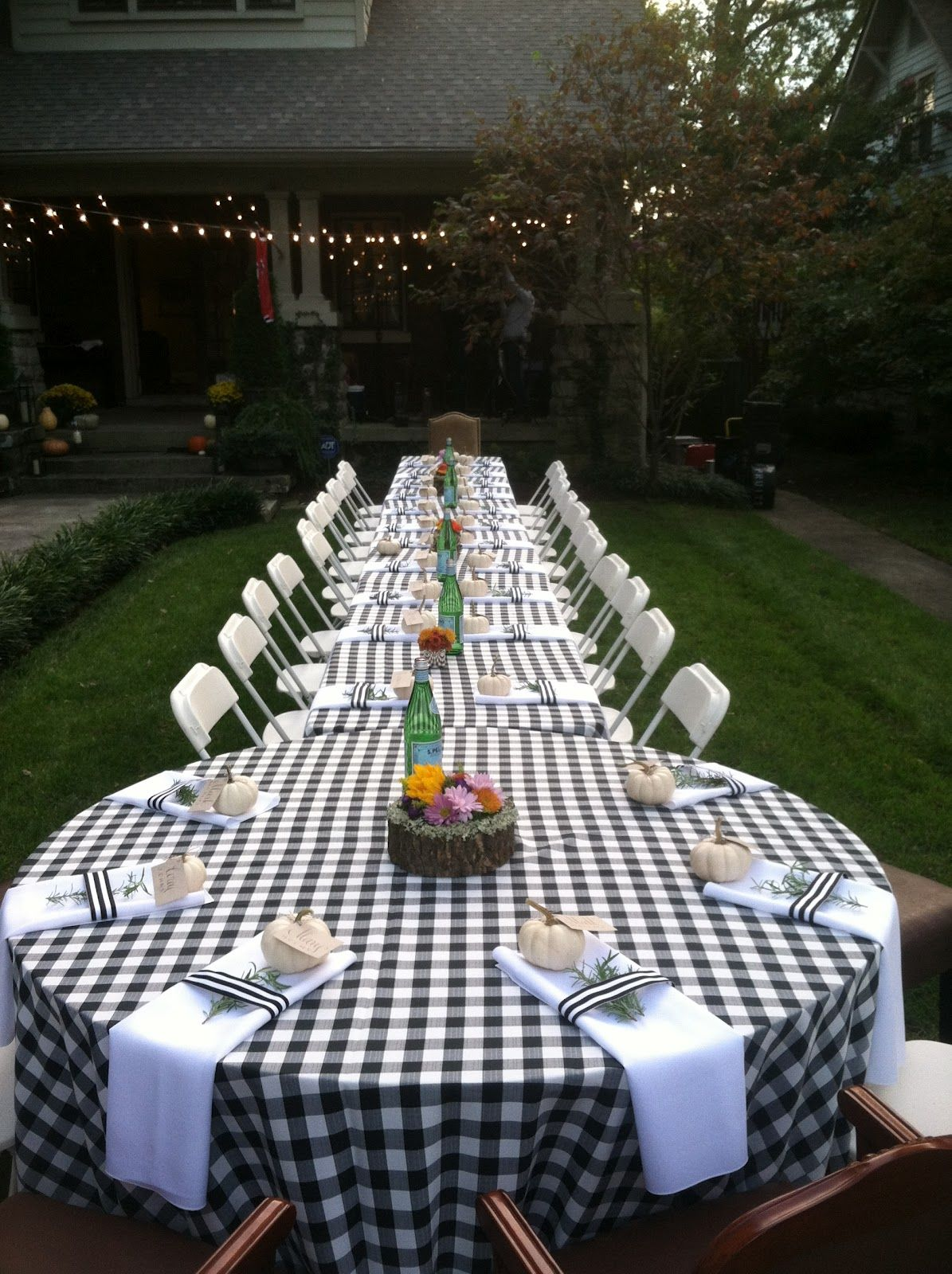 Gingham Tablecloths For A Reception Or Rehearsal Dinner