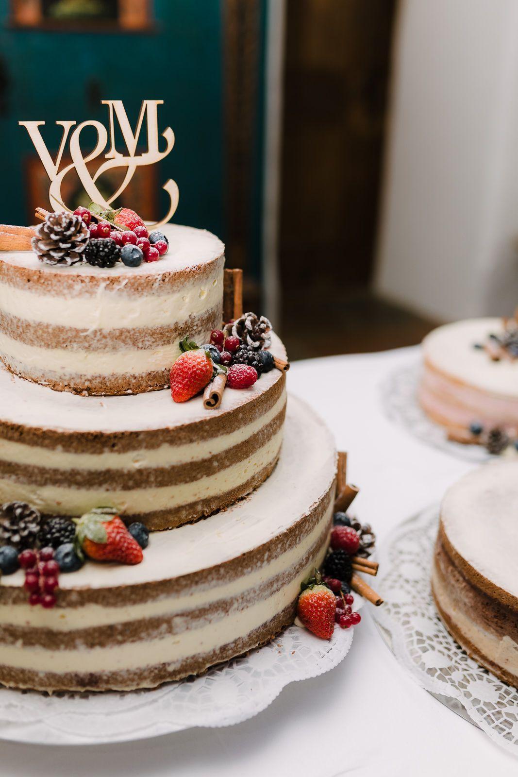 Trachtenhochzeit Im Winterwonderland In 2020 Hochzeit Standesamtliche Hochzeit Winterhochzeit