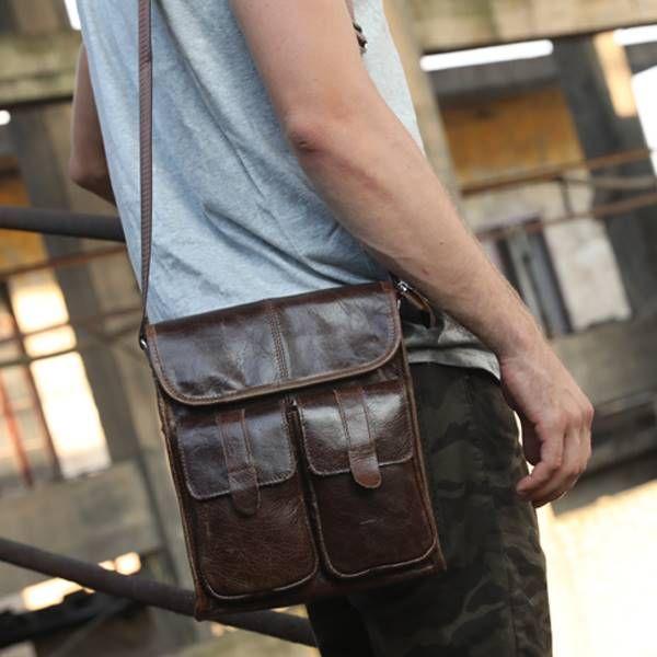 Complementos de moda: bolsos y mochilas de piel para hombre