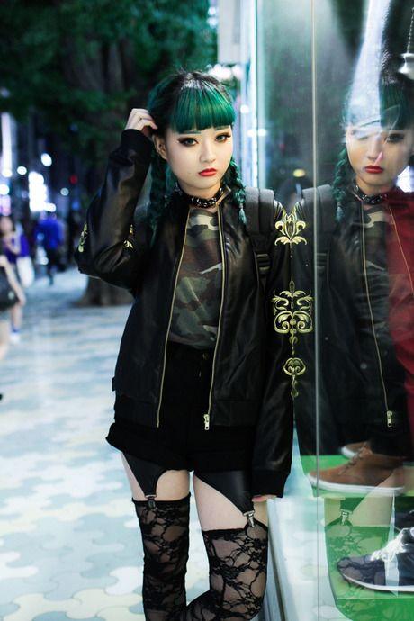 Harajuku Gal W Rainbow Eye Makeup Silver Hair In Anap: Punk, Kleidung, Stil