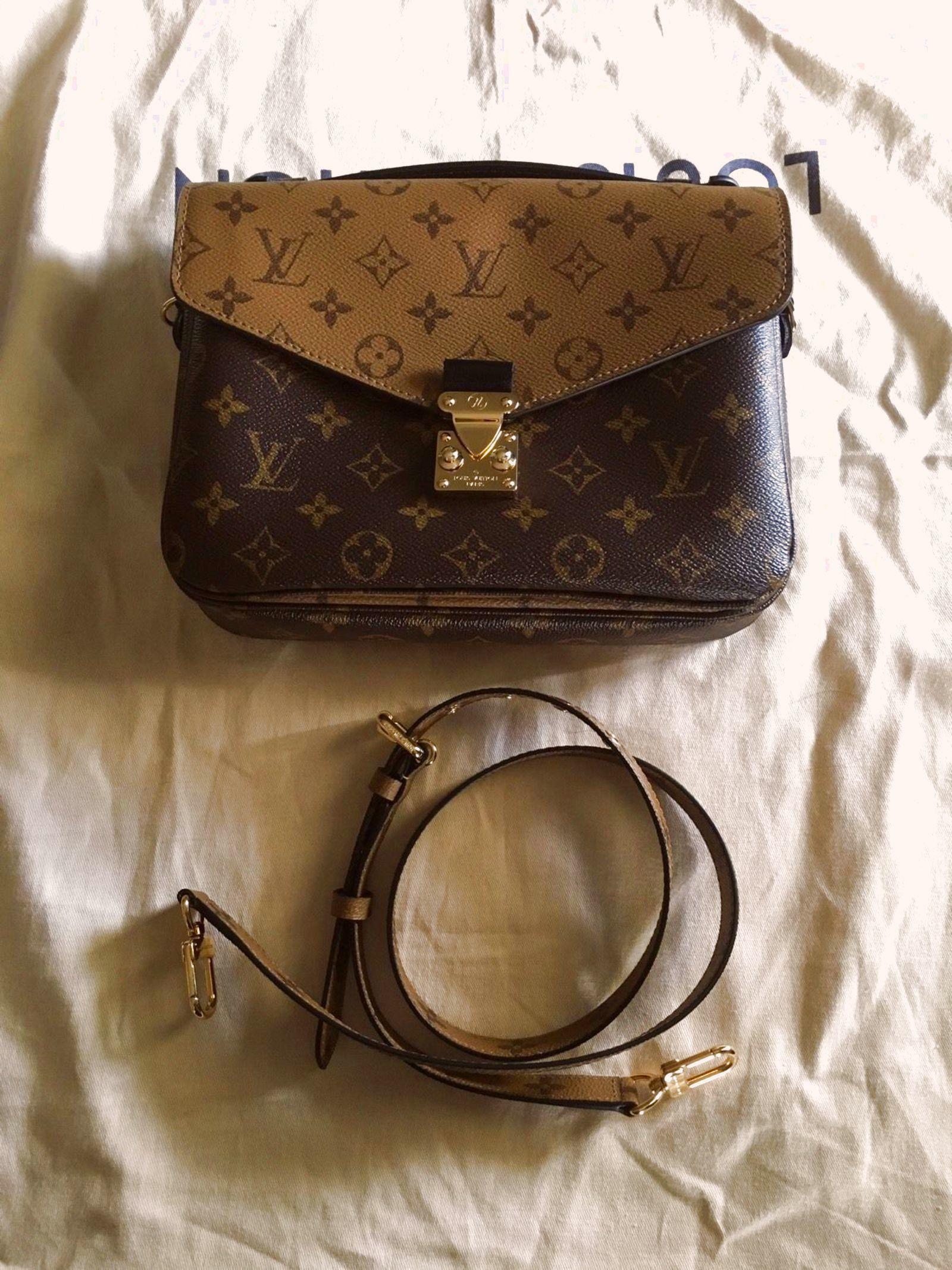 Authentic Louis Vuitton Pochette Metis Reverse Monogram Crossbody  1950.0 b1b03ecc86add