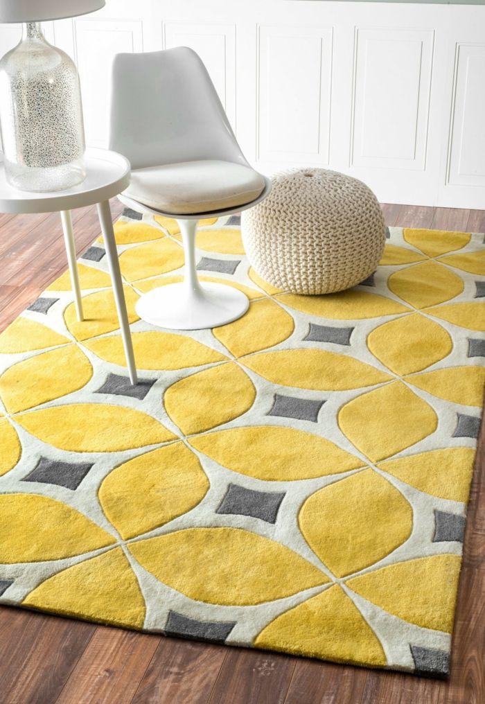 Gelber Teppich Fur Eine Frische Und Strahlende Zimmergestaltung Teppich Gelb Teppichboden Gelbes Wohnzimmer