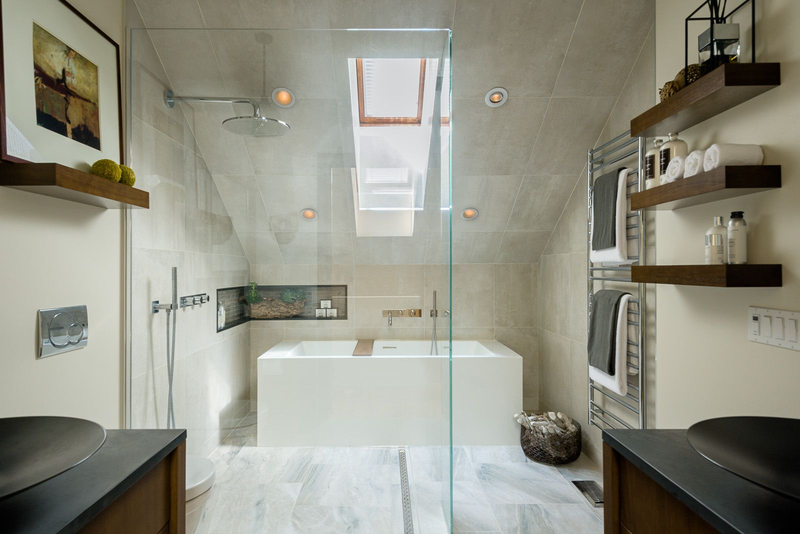 Such a stunning and slick bathroom design