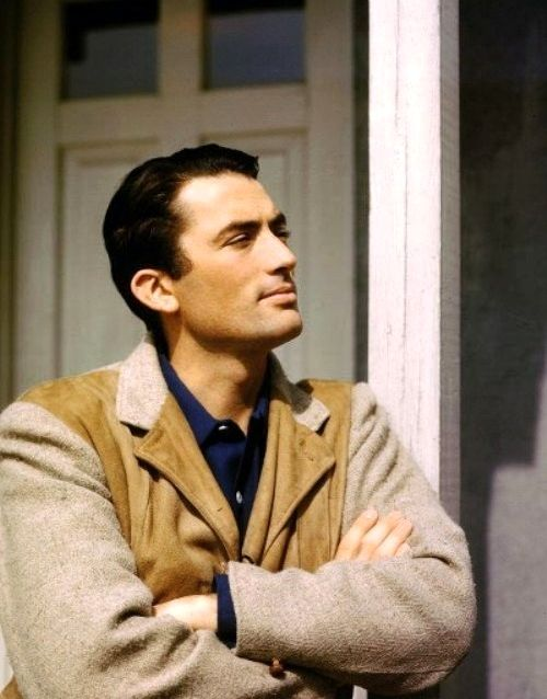 kind of looks like Handsome Ham in the old days, doesn't it? Gregory Peck