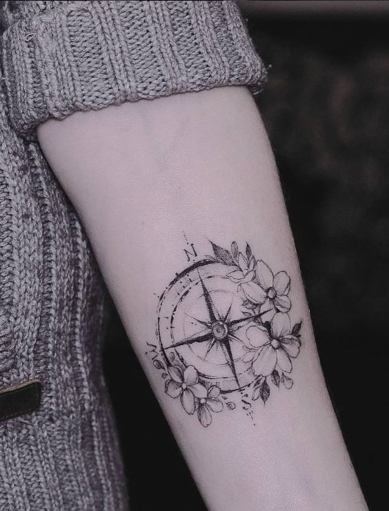 Small Compass Tattoo Tattoo Pinterest Tattoos Compass Tattoo