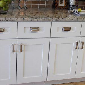 Kitchen Cabinet Doors White Shaker White Shaker Kitchen Cabinets Shaker Style Kitchen Cabinets White Shaker Kitchen