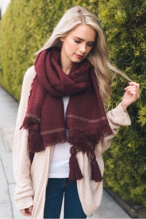 15 unusual scarves that will help you make your winter look more cool