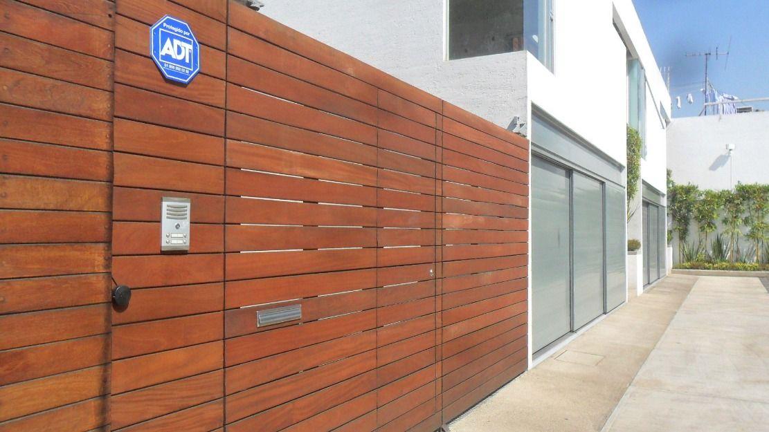 Suelo de madera el dise o exterior suelos fachadas - Suelo exterior madera ...