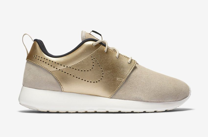 Nike roshe one premium suede Nude/beige and metallic gold. Sz Sold out in  stores!