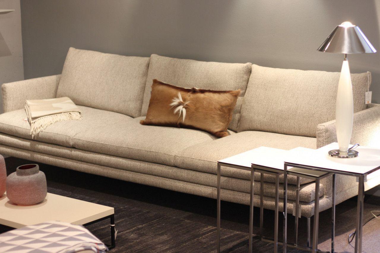Sofa William Von Zanotta In Stoff Beige Couch Inneneinrichtung Mobeldesign Schonerwohnen Italiandesign Interieur Dekor Haus Deko Gemutliches Sofa