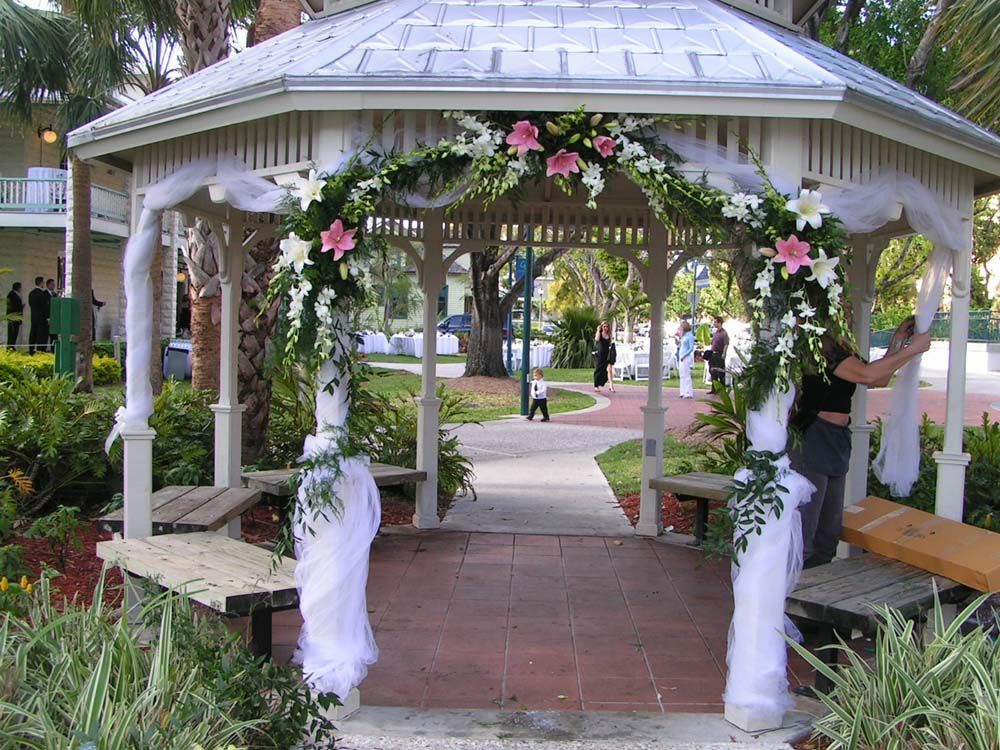 Gazebo decoration in ft lauderdale wedding flowers from for Outdoor wedding gazebo decorating ideas