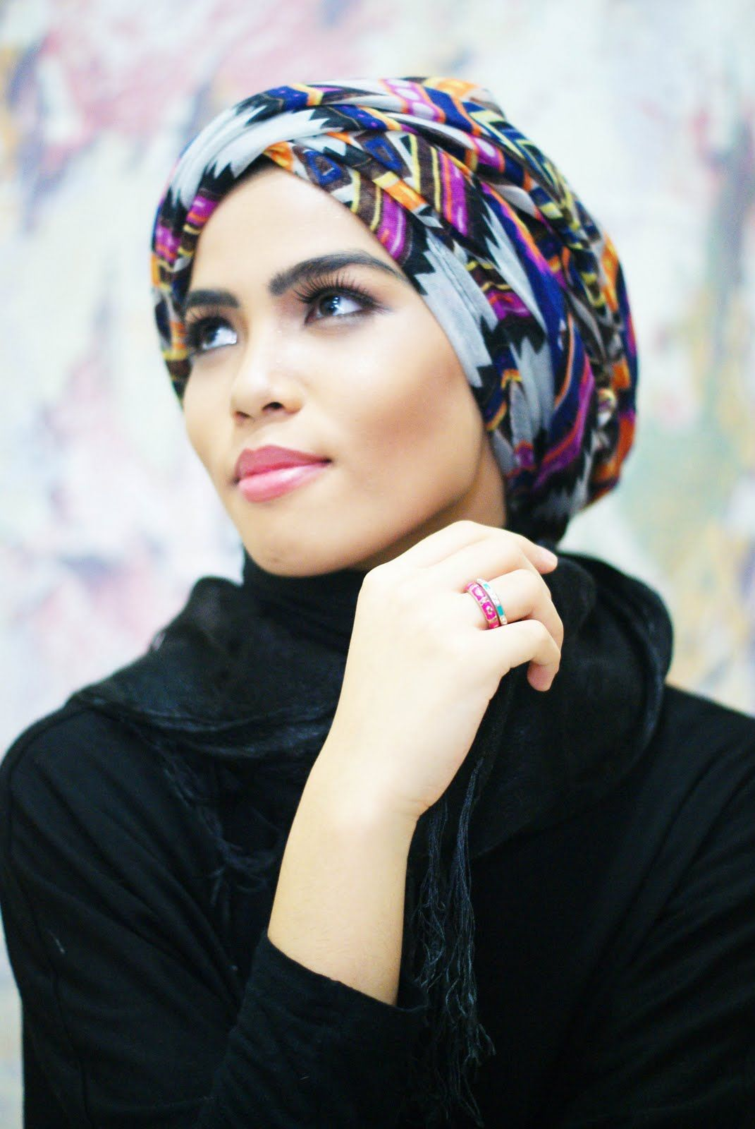 Learn how to wear & tie a tichel, mitpachat or turban
