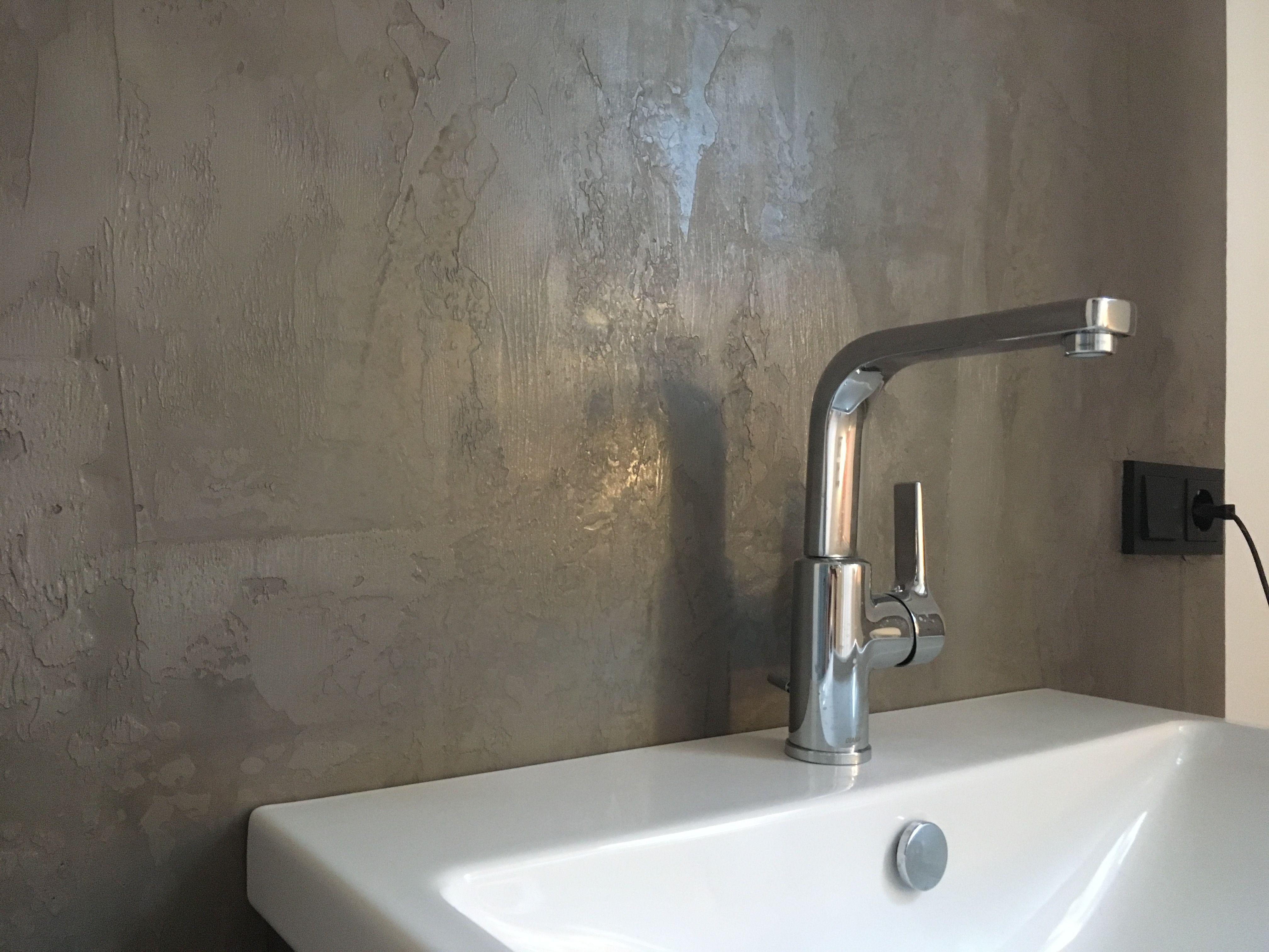 Wande Sind Nicht Gleich Wande Besondere Materialien Und Handwerkliches Geschick Machen Wande Zu Etwas Bes Fugenloses Bad Wandgestaltung Betonoptik Waschbecken