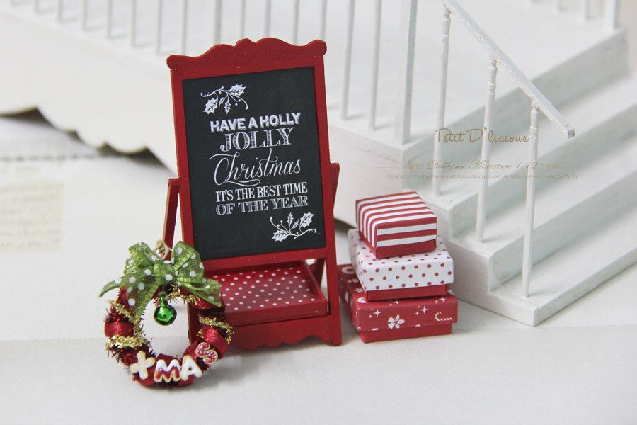 """Christmas RED Chalkboard Display Stand / """" Have a Holly Jolly Christmas"""" by PetitDlicious on Etsy https://www.etsy.com/listing/211941704/christmas-red-chalkboard-display-stand"""